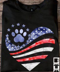 Dog footprint and america flag