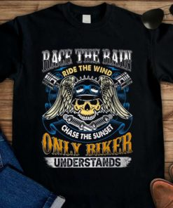 Skull Racing - Race the rain ride the wind chase the sunset only biker understands
